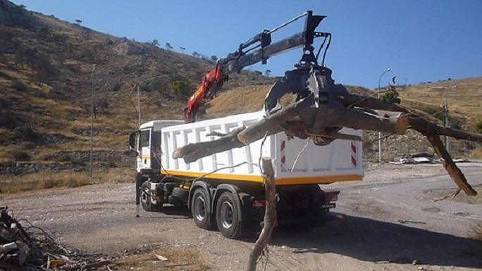 Με ένα νέο υπερσύγχρονο φορτηγό με γερανό και αρπάγη ενισχύεται η Διεύθυνση Καθαριότητας του Δήμου Βριλησσίων.