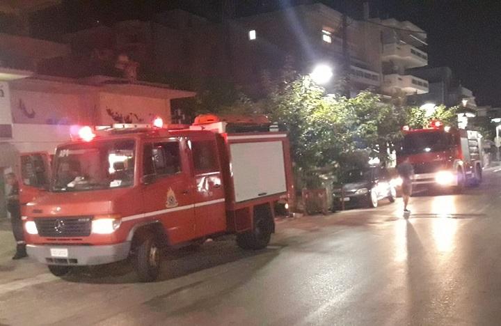 Βραχυκύκλωμα στην οδό Κύπρου, στα Βριλήσσια, χθες το βράδυ, σε ρολόγια πολυκατοικίας,ευτυχώς χωρίς να επεκταθεί η φωτιά.