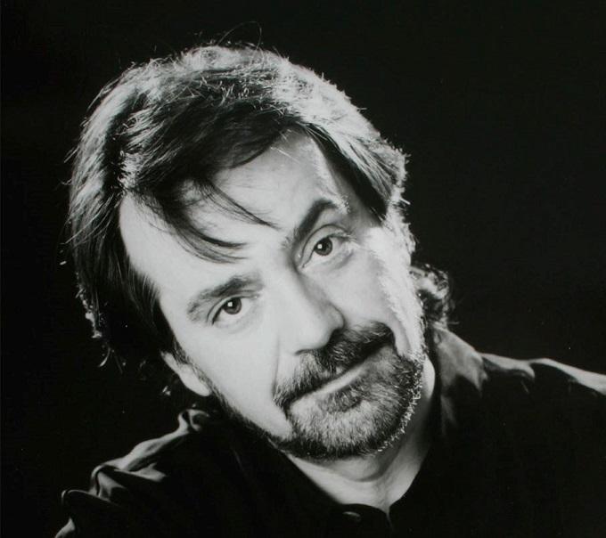 Την τελευταία του πνοή σε ηλικία 73 ετών άφησε τη Δευτέρα 21 Οκτωβρίου ο συνθέτης, στιχουργός και πιανίσταςΝίκος Ιγνατιάδης.