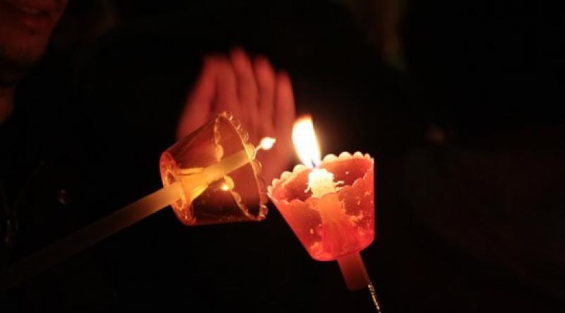 Ο υφυπουργός Προστασίας του Πολίτη, Νίκος Χαρδαλιάς, ξεκαθάρισε σήμερα ότι δεν θα επιτραπεί η κατ' οίκον παράδοση τουΑγίου Φωτός, όπως είχαν ανακοινώσει ότι θα πράξουν κάποιοι Δήμοι.