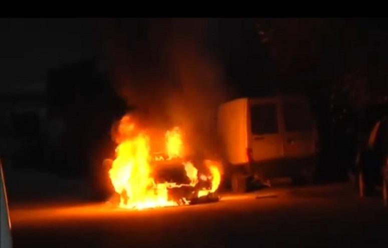 κρηξη σημειώθηκε αργά το βράδυ της Κυριακής (10/1) στο αυτοκίνητο του δημοσιογράφου Γιώργου Σφακιανάκη στα Μελίσσια.