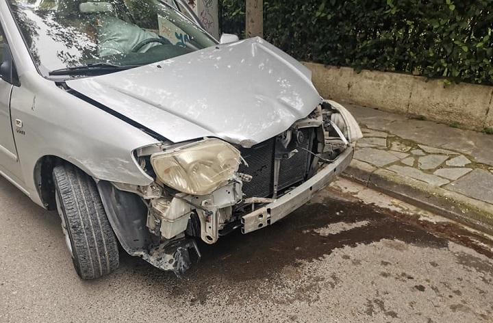 Τροχαίο ατύχημα έχουμε αυτή την στιγμή στην οδό Σαλαμινος και Μπακογιαννη σύγκρουση με δύο Ι.Χ αυτοκινήτα ευτυχώς χωρίς τραυματίες στο σημείο άμεσα η πολιτική προστασία....